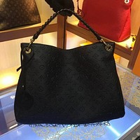 new lv louis vuitton womens leather shoulder bag lv tote lv handbag lv shopping bag lv messenger bags 500