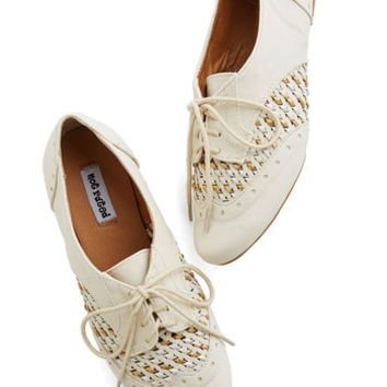 ModCloth Sprinkling of Shimmer Flat in Cream