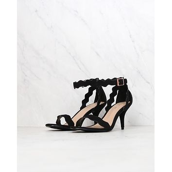 Chinese Laundry - Rubie Scalloped Sandal in More Colors