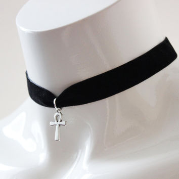 Gothic simple choker - black velvet ribbon - with silver ankh cross - wiccan wicca witch goth modern magic day collar metal fan necklace