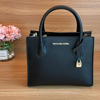 MK  Mercer lock bag, portable, cross-body, can be matched with different shapes full black