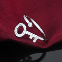 Personalized Zircon key 925 sterling silver ring, a perfect gift !