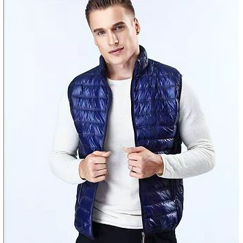 Explosive style, hot sale, fashionable fashion, thin style white duck down vest