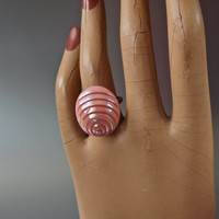 Vintage Czech Pearlized Art Glass Concentric Oval Cabochon Ring