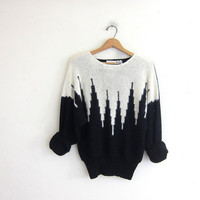 vintage city scene graphic sweater. 80's black and white sweater. vneck sweater. women's size L