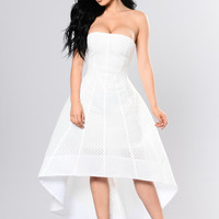 Carrie Vibes Dress - White