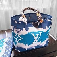 Inseva Lv 2020 summer gradient tie-dye monogram series onthego mommy bag  with mesh scarf colorful shopping bag Blue