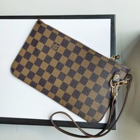 LV tide brand female models wild fashion presbyopic clutch