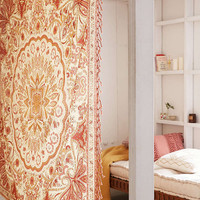 Reya Medallion Tapestry - Urban Outfitters