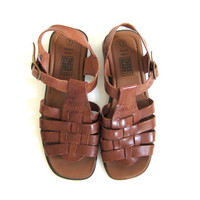 vintage brown leather sandals. strappy gladiator shoes. womens size 7