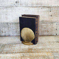 Bookends Vintage Seashell Bookends Solid Brass Bookends Mid Century Brass Door Stoppers Brass Clam Shell Bookends Nautical Beach Decor