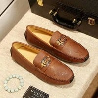 GUCCI 2018 new double G metal buckle lazy shoes men's shoes casual shoes Brown