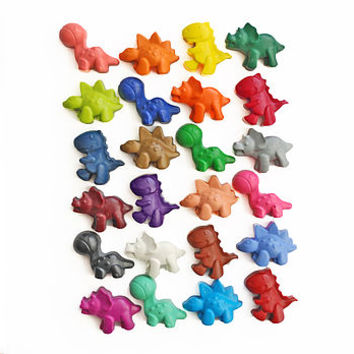 Set Of 24 Dinosaur Crayons In Carry Tub