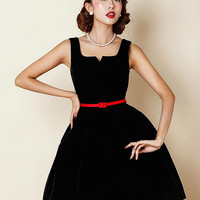 Black Velvet V-neck Sleeveless Homecoming Dress
