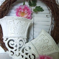 Shabby Chic Vintage Syroco Wall PocketsCottage by flowerpeddlers
