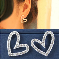 Lovely fashion heart-shaped earrings