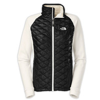 The North Face Momentum Thermoball Hybrid Jacket - Women's at City Sports