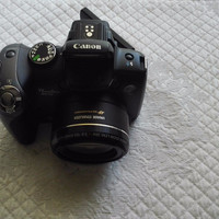 Canon PowerShot SX10 IS Digital Camera 20x Optical Zoom with 8g Memory