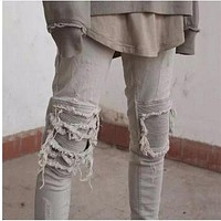 High quality male jeans Casual slim ripped jeans men biker jeans knee protection Patched beggar men denim destroyed trousers