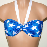 PADDED White & Blue Stars Twisted Top Bandeau, Beach Bra Swimsuit Top, Bikini Top Bandeau, Spandex Bandeau, Twisted Tops Bathing Suits