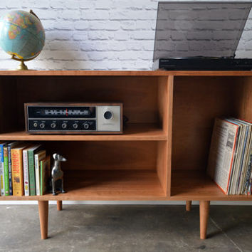 Cordial Credenza / Media cabinet in Cherry - Danish Modern Inspired