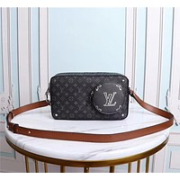 LV Louis Vuitton MONOGRAM CANVAS VINTAGE BOX INCLINED SHOULDER BAG