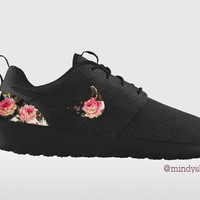 Triple Black Roshe Run Floral, Custom Nike Roshe Run, Floral Nike Roshe Run, Black and White Nike Floral Roshe, Floral Roshe, Roshe Run