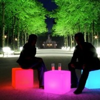 "Outdoor LED Light Cube 17"" - Cordless with remote control"
