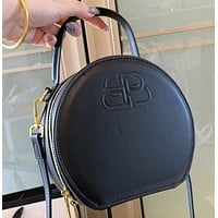 Hipgirls Balenciaga New fashion letter leather shoulder bag crossbody bag handbag Black