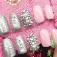 24pc Pink Rivet Rhinestones Pearl Silver Fake Nails Tips Full Cover False Nails with Design and Glue Stickers Press on Nails