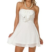 -white Bow Front