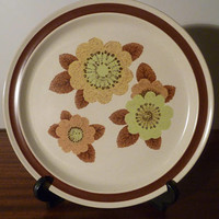 "Vintage 1970s Noritake Genuine Stoneware Plate ""Rustic"" 8333 / Retro Floral Country Design / Made in Japan"