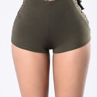 Out of Nowhere Shorts - Olive