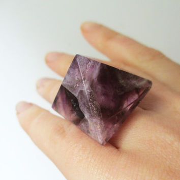 Amethyst Crystal Pyramid Stone Cocktail Ring