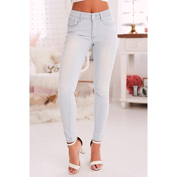 No Pressure Mid-Rise Skinny Jeans (Light)