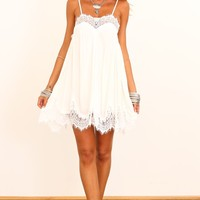 HelloMolly | Kiss You Dress White