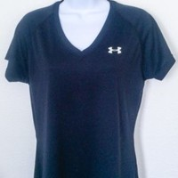 Women's Black Under Armour Semi-Fitted Heatgear Athletic Top Size: M