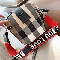 Burberry New fashion plaid canvas shoulder bag crossbody bag bucket bag