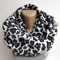 leopard fleece scarf ,infinity scarves ,winter fashion accessories ,trendy scarf