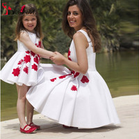 Fashion Mother and Daughter Dresses 2016 Lovely Little Princess Girls Pageant Dress Kids Prom Gowns with Red Lace