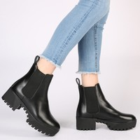 Cassie Cleated Sole Chelsea Boots in Black