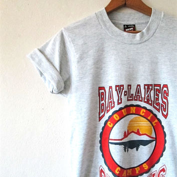 Vintage 1990s BOY SCOUTS Bay Lakes Council Camp CUB Days Cropped  TShirt Sz S
