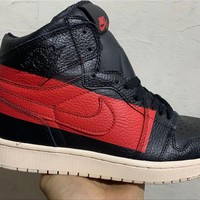 Air Jordan 1 High New Color - Black/Red