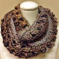 Ladies Infinity Scarf/Women's Scarf/Womens Cowl/Knit Infinity Scarf/Knit Cowl/Winter Accessory/Fall Accessory