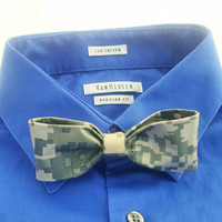 Cool Green Camouflage Clip On Bow Tie for Men, Handmade Camo, Men's Bowtie, Fun Geek Chic Men's Accessories, Gifts for Men