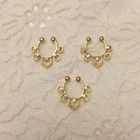 Evangelina Fake Septum Ring in Gold