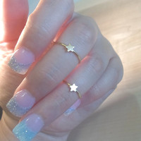 Tiny Star Knuckle Ring-Layering Above the Knuckle Gold Brass Stackable Midi Ring