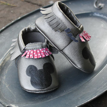Baby Moccasins | Moccs | Baby Moccs | Moccasins | Minnie Mouse | Minnie Mouse Shoes | Baby Shoes | Vegan Leather | Valentines Day | Disney