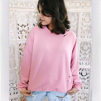 CAPRI DISTRESSED CREW NECK- PINK