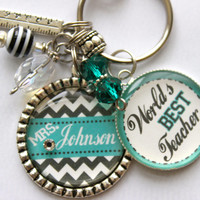 """Teacher Gift Personalized keychain, Quote """"World's Best Teacher"""" gift, present, mom, aunt, daughter, son, cousin"""